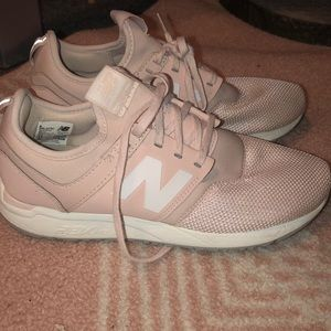 New Balance 247- light pink